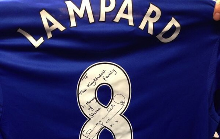 outlet store a5773 825e1 Frank Lampard donates Chelsea jersey in memory of Shawn ...